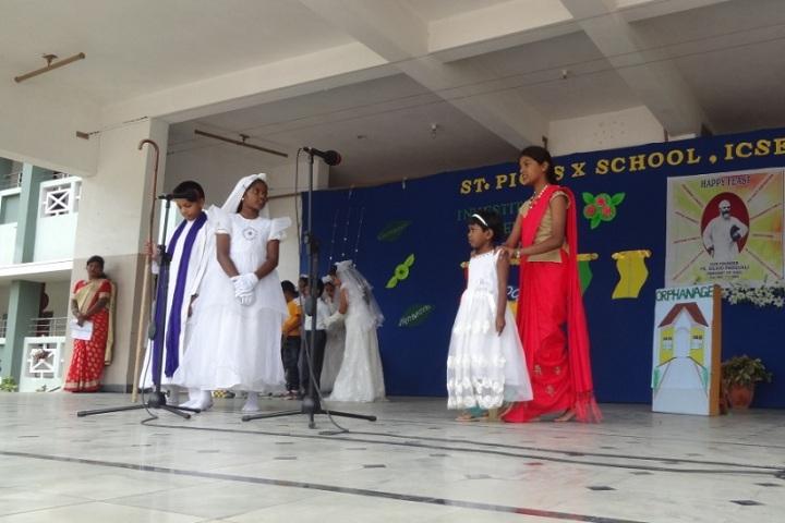 St Pious X School-Fancy Dress