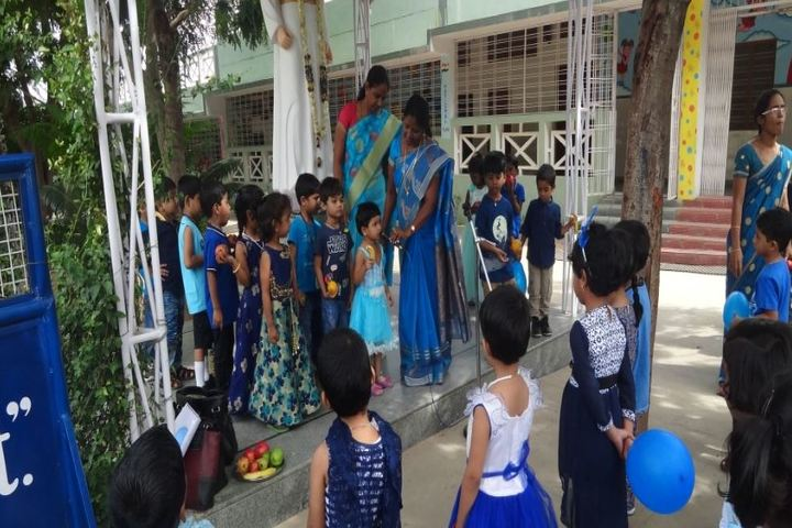 St Pious X School-Blue day
