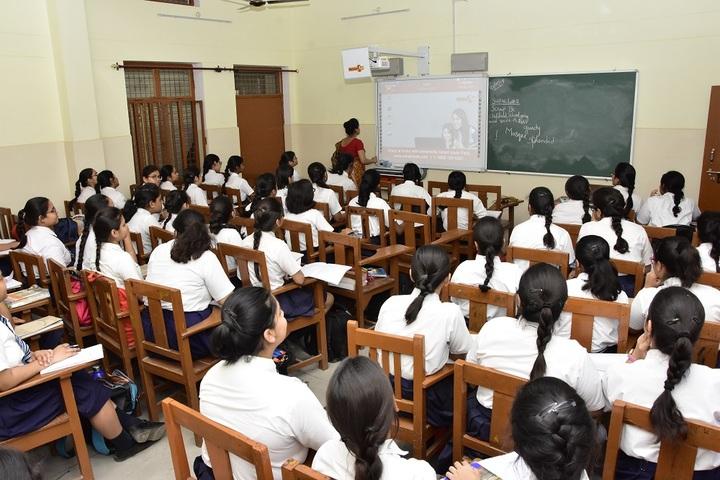 Girls High School and College-Digital Classroom