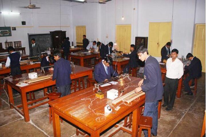 St Aloysius High School-Physics Lab