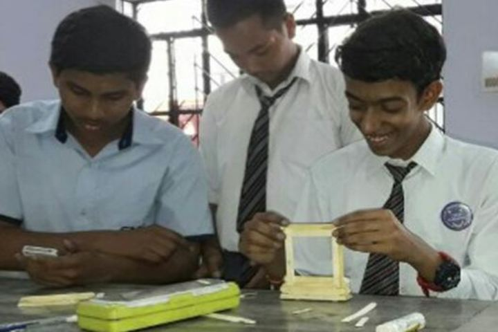 City Montessori Inter College-Photo Frame Preperation
