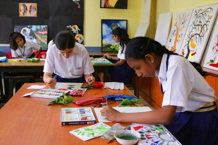 Seth M R Jaipuria School-Art and Craft