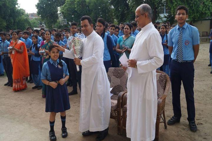 St Thomas School-honour