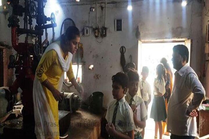 Seth Dwarka Prasad Bajaj Education Center-Field Trip