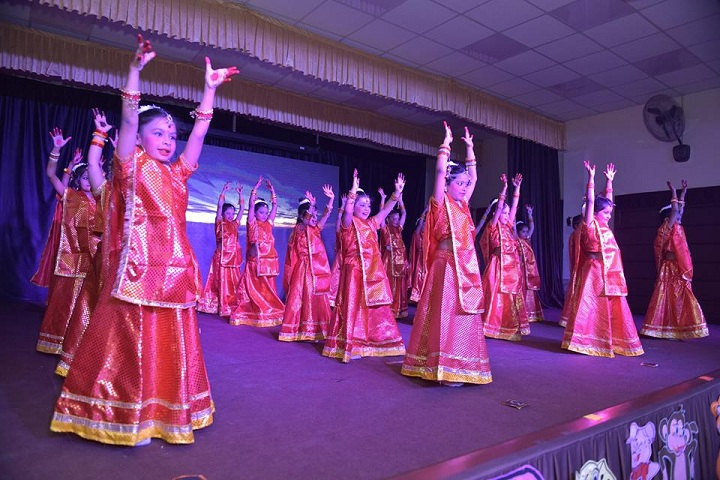 I P E M International School-Dance