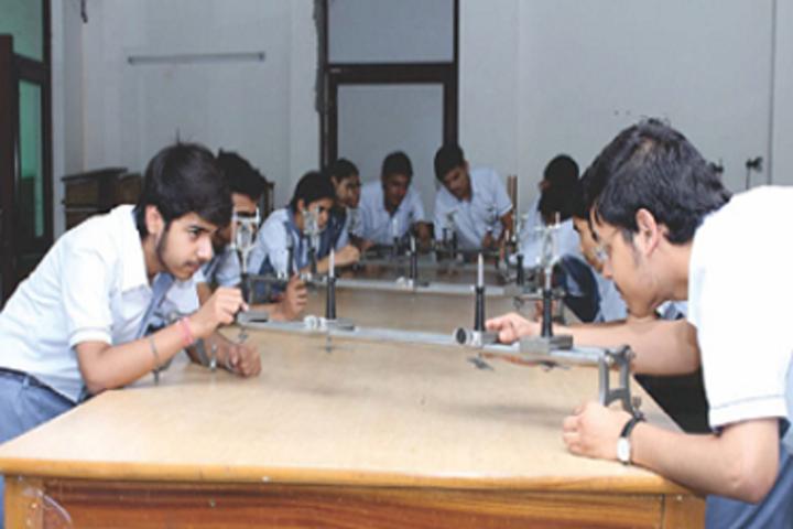 Creathics Public School-Physics Lab