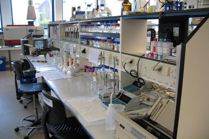 Pioneer Montessori School-Science Lab
