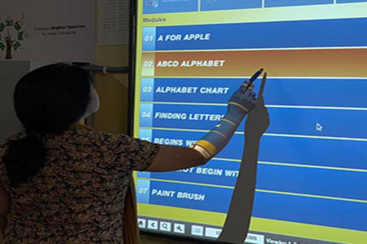 Pioneer Montessori School-Smart Class