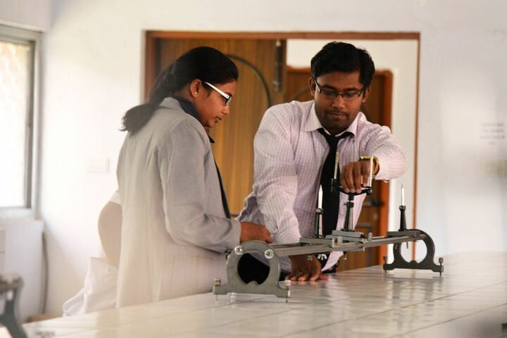Ashok Hall Girls Residential School-Physics Lab