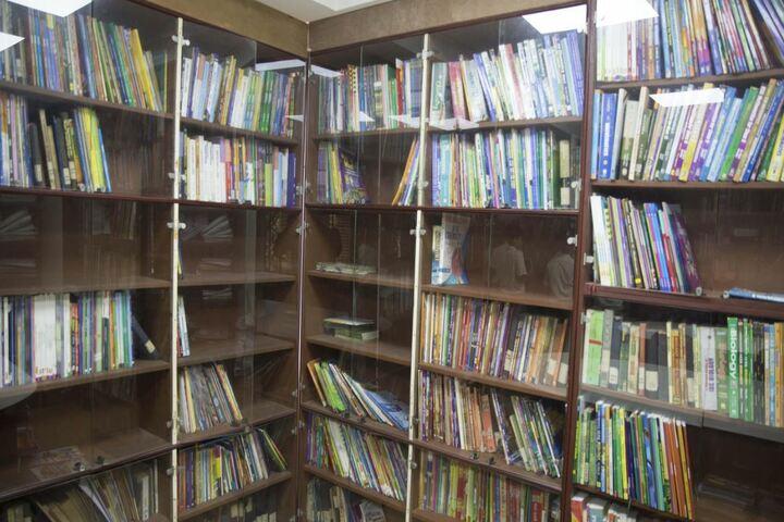 Julien Day School-Library