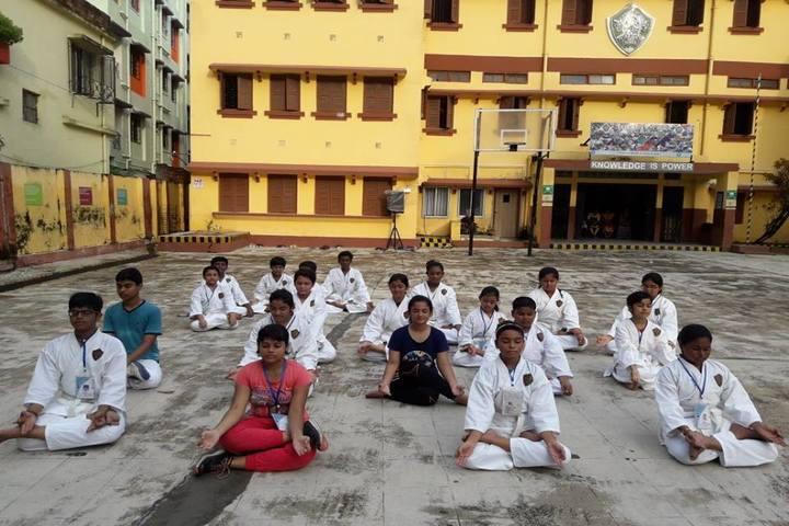 Julien Day School-Yoga
