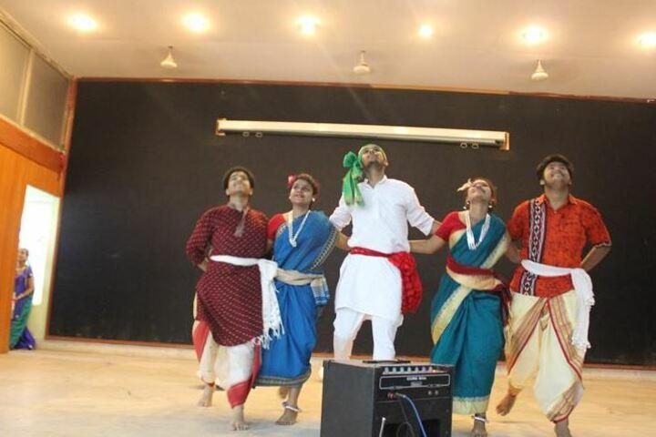 St Thomas Church School-Dance