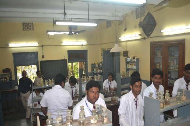 St Thomas High School-Chemistry Lab