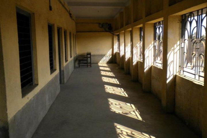St Thomas High School-Corridor