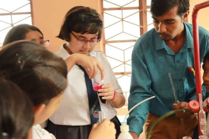 Holy Rock School-Chemistry Lab