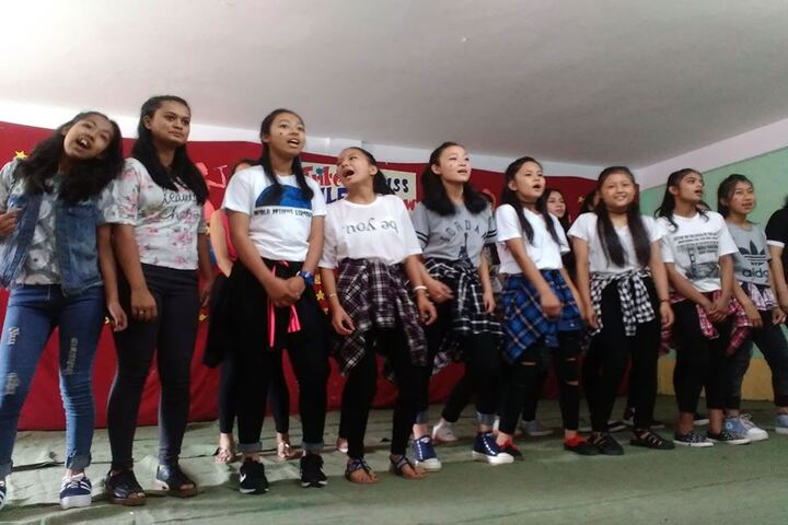 St Anthonys School-Singing