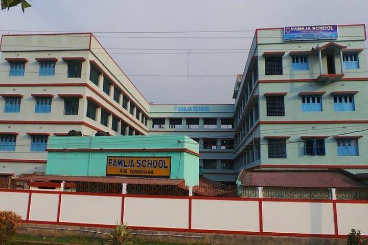 Familia School-Campus