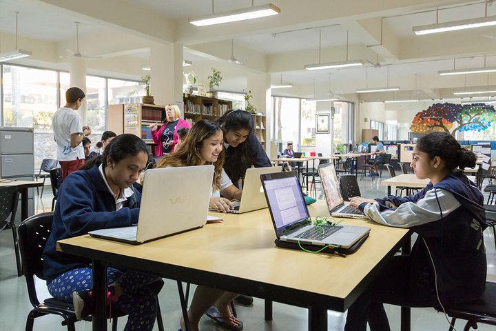 Mahindra International School-Computer Lab