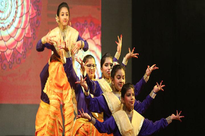 D Y Patil International School-Dance