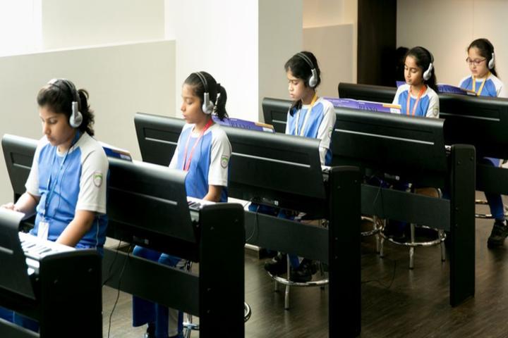 JBCN International School-Computer Lab