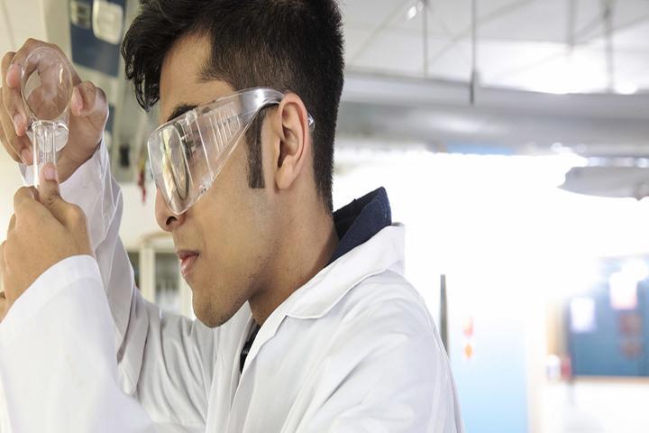 Chemistry Lab of School