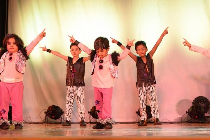 aLphabet international school-dance