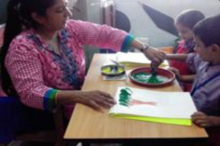 Matushri Kashiben Vrajlal Valia International Vidyalaya-Drawing