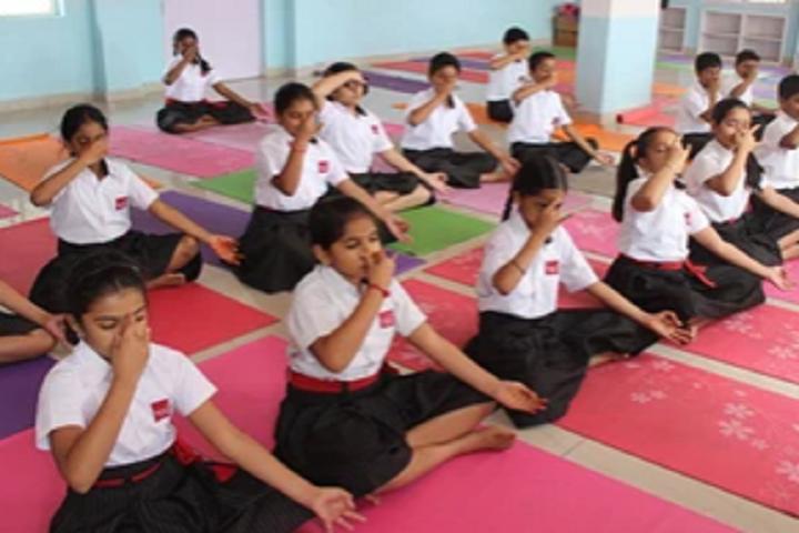 Silver Oaks International School-Yoga