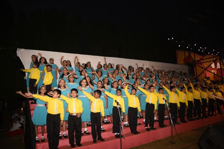Loreto Convent School-Performance by Kids