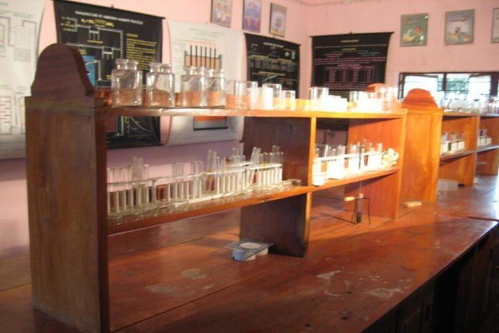 Kavirayani Public School-Chemistry Lab