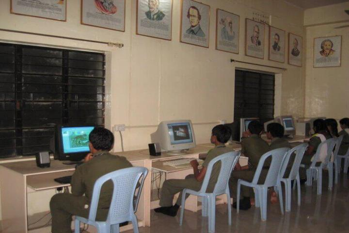 Kavirayani Public School-Computer Lab