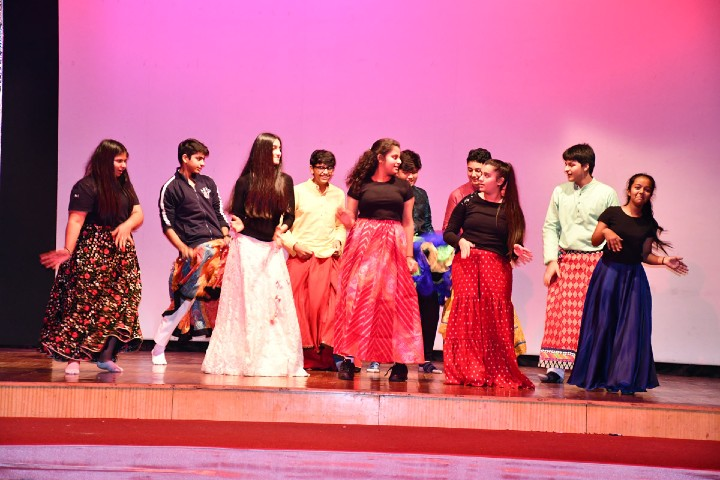 DPS International School-Dance