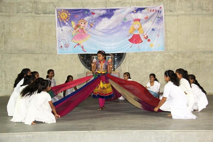 BAPS Swaminarayan Vidyamandir-Dance