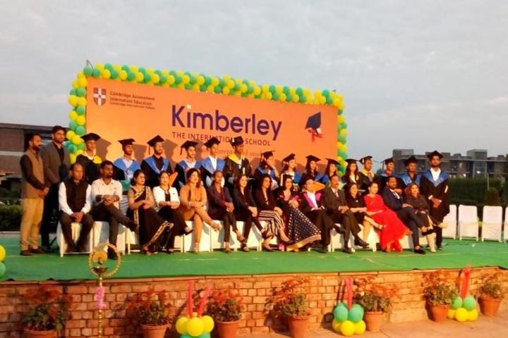 Kimberley The International School-Graduation Day
