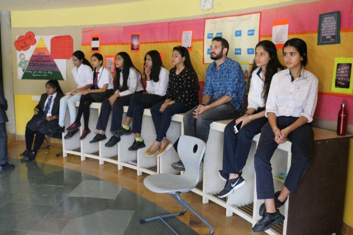 International School-Class
