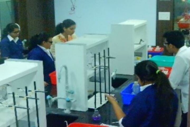 Utpal Shanghvi Global School-Chemistry Lab