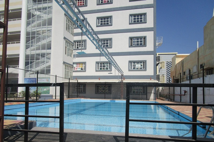 Solitaire Global Schools-Swimming pool