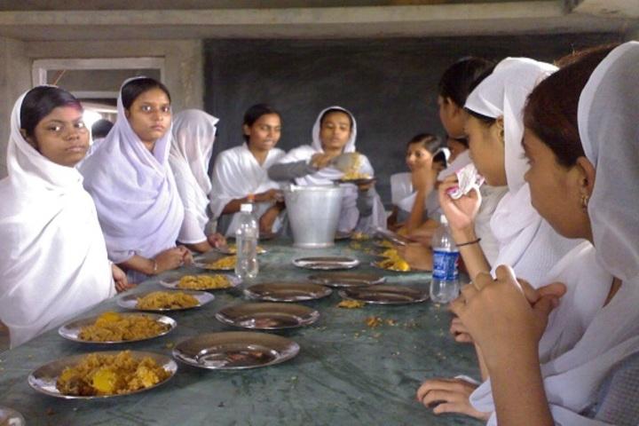 Howrah High School-Meals at Schools