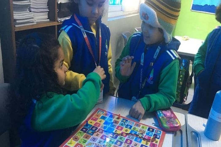 Pacific World School-Indoor Games