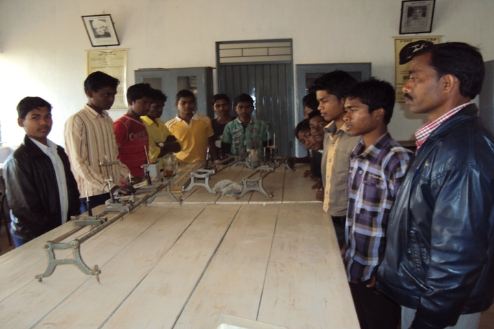 Government Model Higher Secondary School-Physics-Lab
