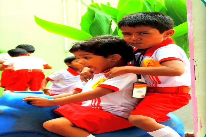 Janmitram SPS Memorial School-Activities