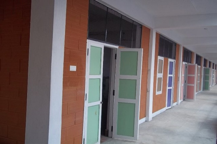 Isha Vidhya Matriculation Higher Secondary School-Classroom