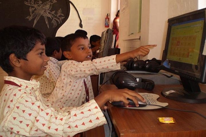 Isha Vidhya Matriculation Higher Secondary School-Computer lab