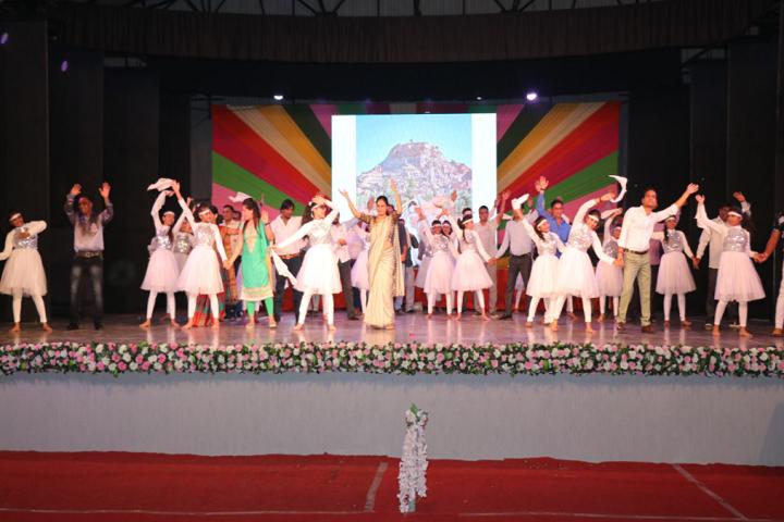 Sir V D T Girls High School-Group Dance