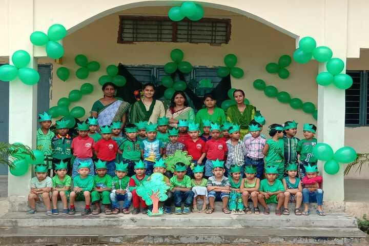 Jogpal Public School-Green Day