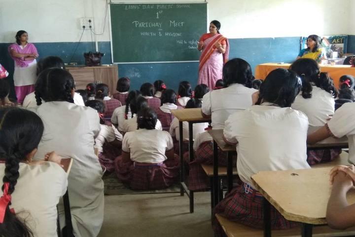 lions dav public school-classroom