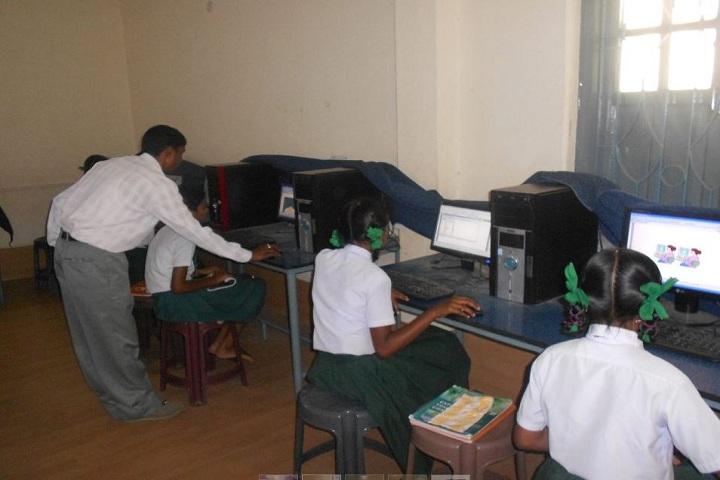 Loyola Higher Secondary English Medium School-computer lab1