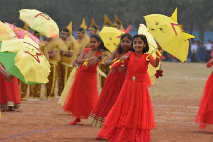 Loyola School Bilaspur-dancer