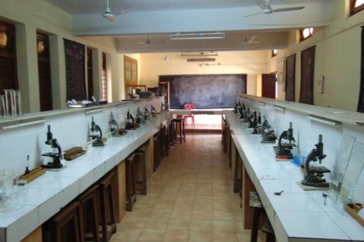 Mar Gregorious Memorial Senior Secondary School-Science lab