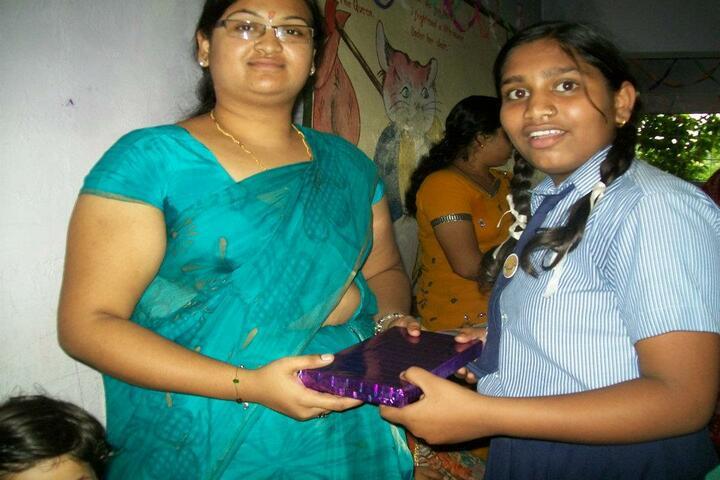 Mahanadi Academy-Teachers gift